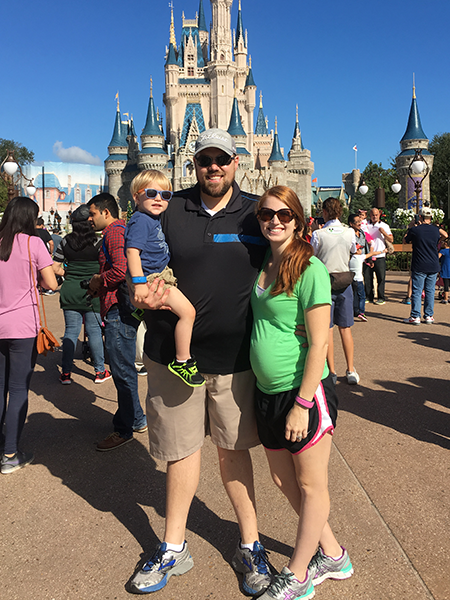 18-weeks-pregnant-disney